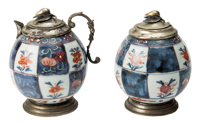 A pair of Antique Chinese covered Jar and Porcelain. Silver cover and base, punched.  - Auction FROM VENICE TO ORIENT PART II. ANTIQUE ART WORKS. - Bado e Mart Auctions
