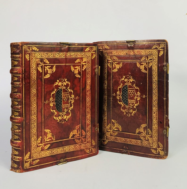 Armorial binding of XVII century. DE VILLEGAS SELVAGO. Discorsi ouero Sermoni sopra gli Euangeli.  - Auction FINE AND RARE BOOKS, VOYAGES, ATLASES, MAPS AND PRINTS - Bado e Mart Auctions